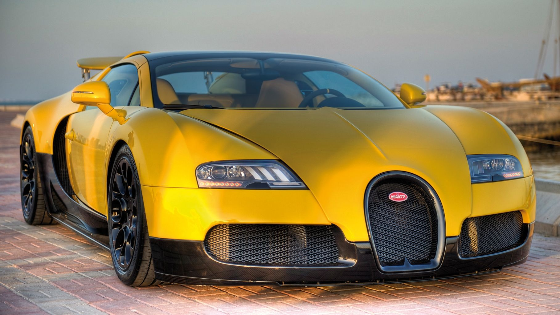 car shows 2014 bugatti veyron 16 4 grand sport qatar special edition. Black Bedroom Furniture Sets. Home Design Ideas